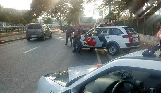 PM realiza blitz na Avenida Dr. Octaviano Pereira Mendes