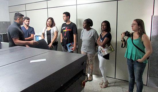 Alunos de Jornalismo visitam o Jornal Periscópio