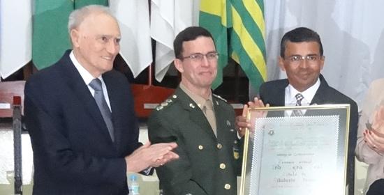 Comandante do Quartel de Itu recebe cidadania ituana