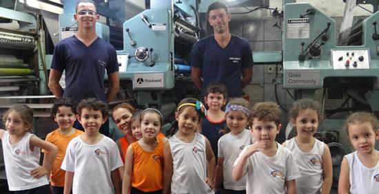 Alunos da Escola Nova Geração visitam o Jornal Periscópio