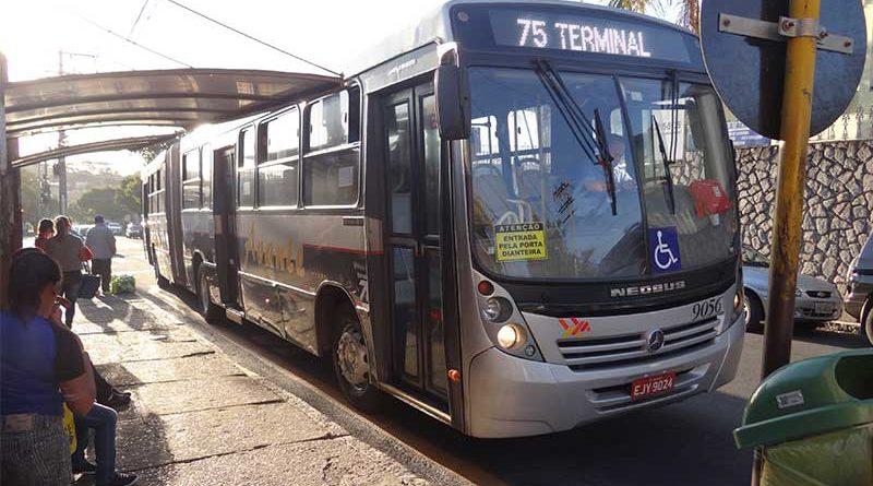 Falta de combustível paralisa transporte público de Itu neste domingo