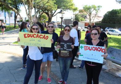 Manifestação pela educação em Itu leva poucos participantes ao Centro
