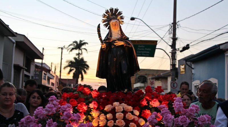Tradicional procissão em louvor a Santa Rita de Cássia reúne 12 mil fiéis em Itu