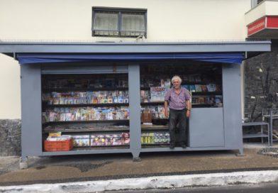 Dia do Amigo: jornaleiro tem banca reformada em ação entre amigos